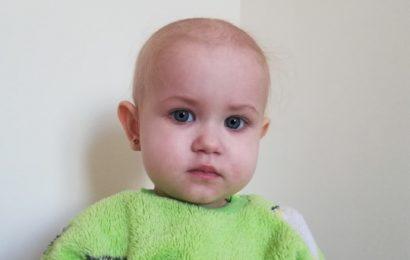 Двухлетняя Вероника Ткаченко нуждается в помощи для борьбы с раком крови